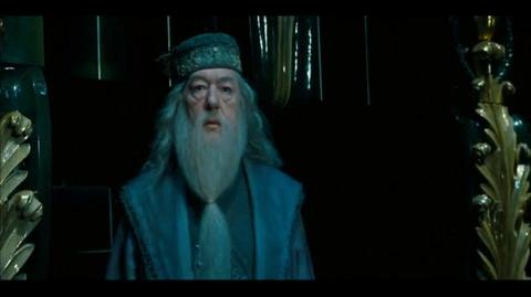 Harry Potter and the Order of the Phoenix - Dumbledore fights Voldemort
