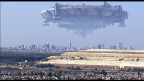 District 9 (2009) - Clip Aliens arrive