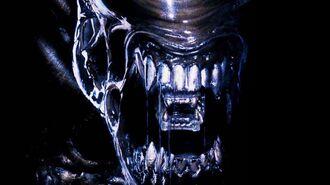 Unboxing the Alien SDCC 2014 Ex. Glow-In-The-Dark Jumbo Figure