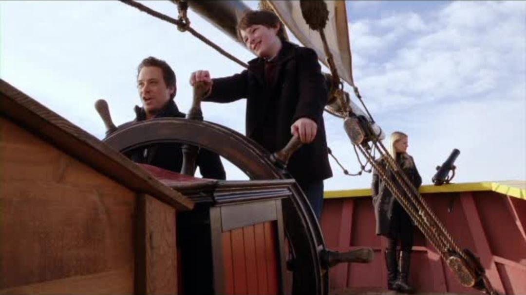 """Once Upon A Time - Season 2 Bonus Clip """"Fractured Family"""""""