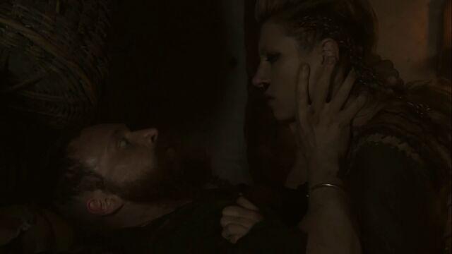 File:Lagertha kills knut.jpg