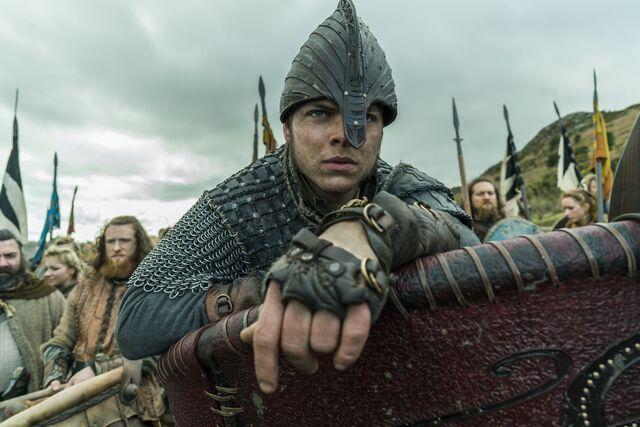 File:Ivar S04E20 battlefield.jpg