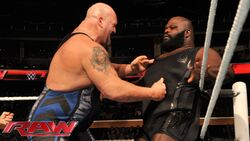 Big Show vs Mark Henry