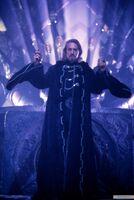 Lord Shinnok with the Amulet of Shinnok