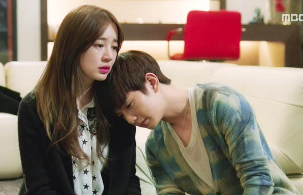 File:Hyungjoonandsooyeon.jpg