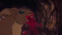 Woundwort kills Blackavar