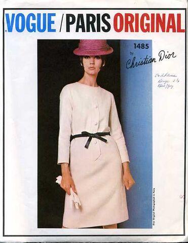 File:Vogue1485a.jpg