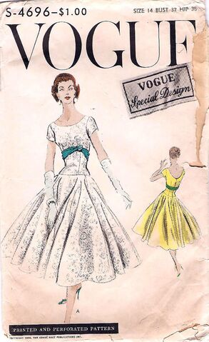 File:Vogue S-4696.jpg