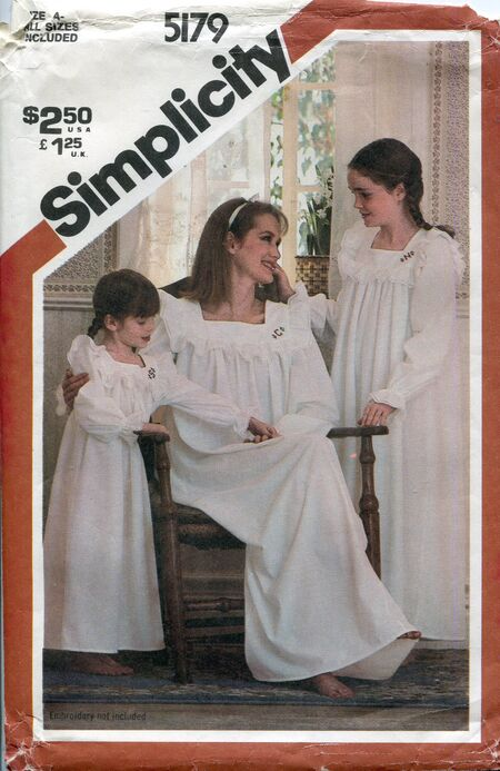 Simplicity5179nightgown