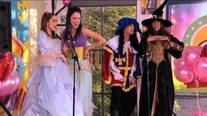 Violetta - Momento musical ¨Algo suena en mi¨ en la fiesta de disfraces-0