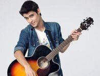 Tomas playing guitar2