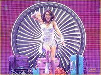 Martina-stoessel-hollywood-records-signing-concert-pics-02