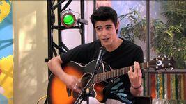 Tomas canta Verte de Lejos