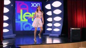 Violetta cantando Destinada a Brillar