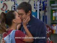 Leonara kiss (2)