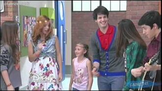 "Violetta 3 - Los chicos cantan ""On Beat"" - Episodio 74 Disney HD Argentina-0"