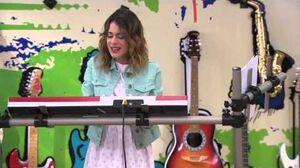 Violetta 2 Vilu sings Alcancemos las Estrellas