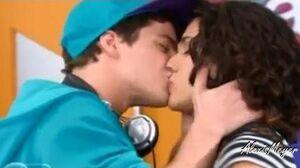 Violetta 2 Maxi y Naty se besan - Capitulo 70