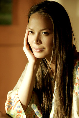 File:MoonBloodgood.jpg