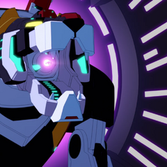 See that wee speck in the middle of Black's mouth cannon? That's Shiro.
