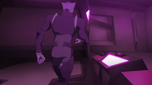 File:S2E09.237. Thace back view.png