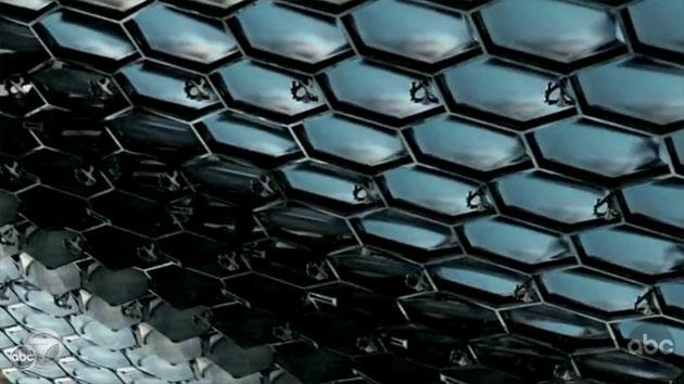 File:V-screencap-snakeskin 630x354.jpg