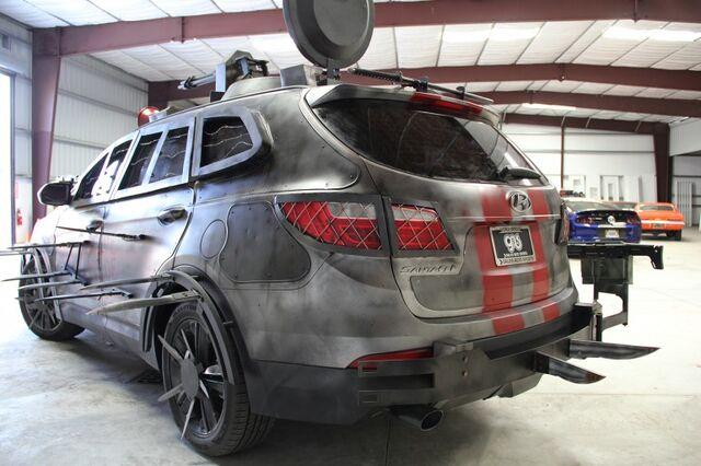 File:2013 Hyundai Santa Fe Zombie Survival Machine 10.jpg