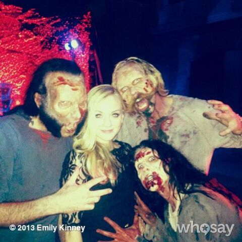 File:Emily with walkers on the red carpet party.JPG