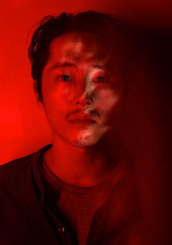 File:The-walking-dead-season-7-glenn-yeun-red-portrait-658.jpg