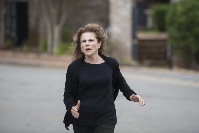 File:AMC 515 Deanna Running.png