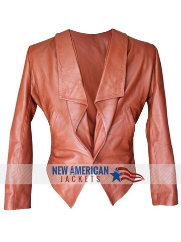 File:2 Broke Girls Caroline Channing Leather Jacket-600x800.jpg