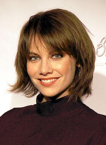 File:Lauren-cohan-short-bangs-bob-layered-edgy-brunette.jpg