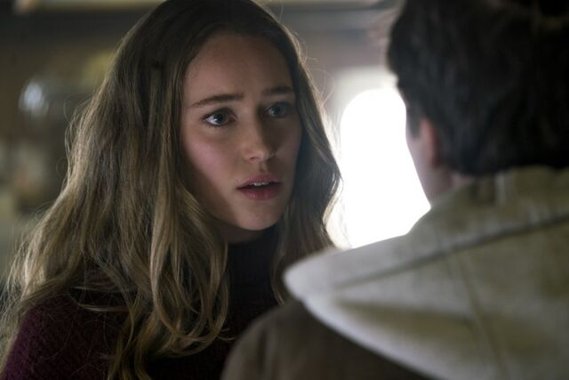 File:205 Captive Alicia talks to Jack.jpg