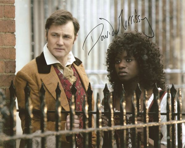 File:David Morrissey Doctor Who autograph.jpg