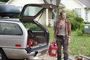 The-walking-dead-season4-episode4-indifference-carol-car