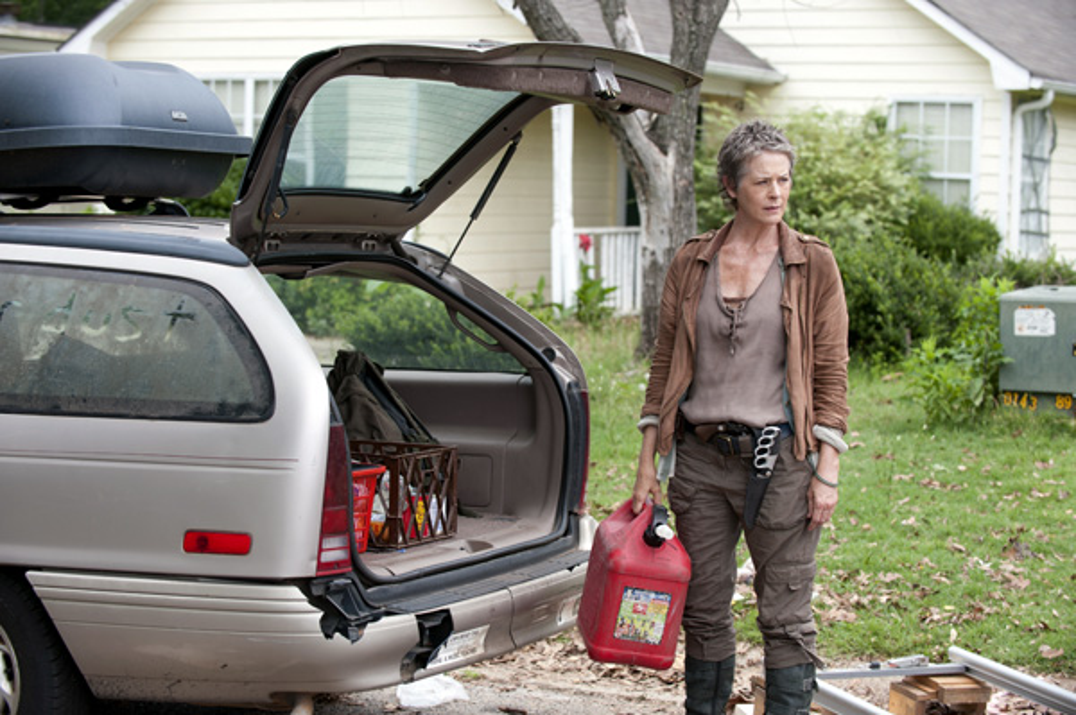 File:The-walking-dead-season4-episode4-indifference-carol-car.jpg