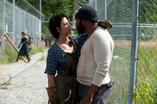 File:Karen and Tyreese 4x01.jpg