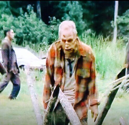 File:Vernon Swygert as zombie (3).jpg