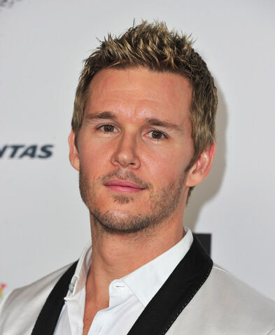 File:Ryan Kwanten 2014 G Day USA Los Angeles Black ieUHAUn89Ypl.jpg