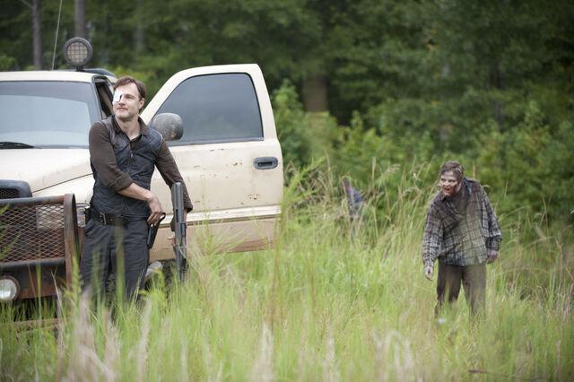 File:Walking-Dead-310-BTS-01.jpg