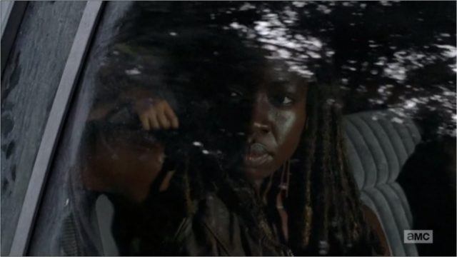 File:5x09 Michonne Listening.png