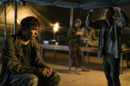 Fear-The-Walking-Dead-The-Unveiling-3x07-promotional-picture-fear-the-walking-dead-40549000-500-333