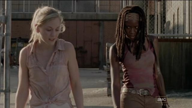 File:Beth talking to Michonne about the prison.JPG