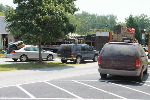 File:Woodbury Packed Cars.jpg