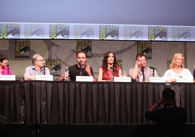 File:Panel Gale-Glen-Andy-Sarah-Norman-Laurie.jpg