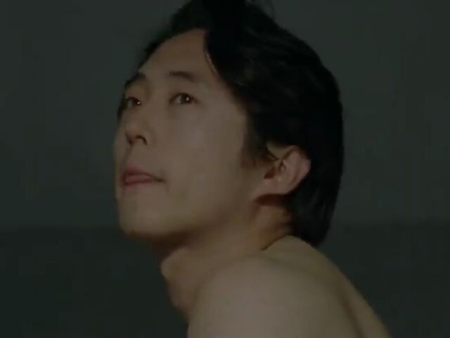 File:Glenn shirtless2.jpg