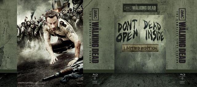 File:Walking Dead Special Edition Tin Wrap.jpg