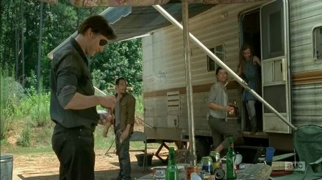 File:The Governor, Caesar, Lilly and Meghan 4x07.jpg