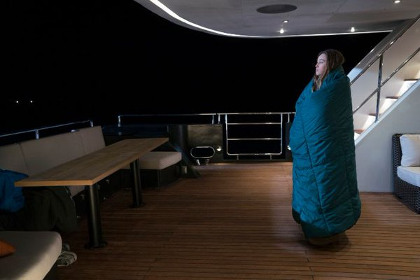 File:202 FTWD Alicia on deck.jpg