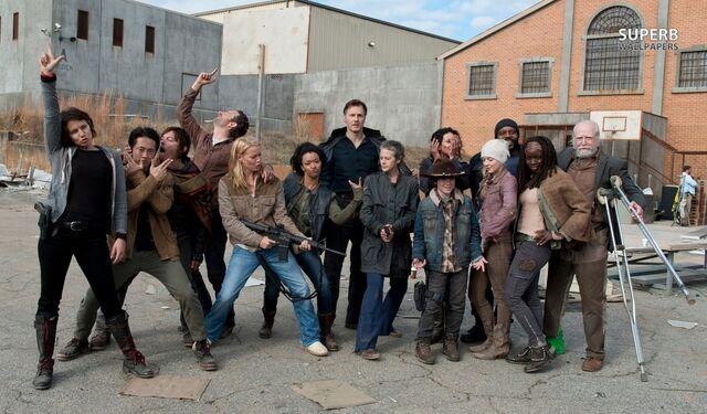 File:The Walking Dead Cast Funny.jpg